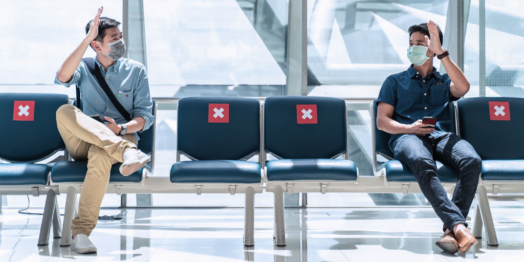 social-distancing-in-the-airport
